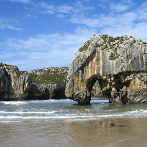 Playa cuevas del mar (Cuevas) 6 km
