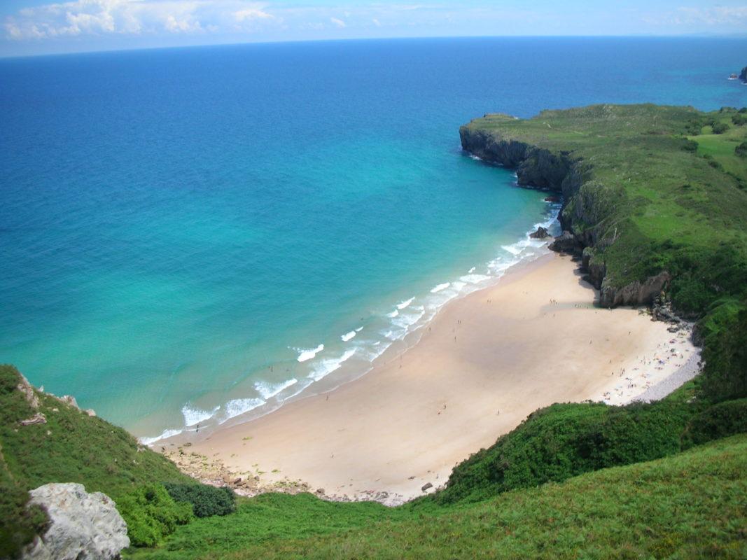 Playa de Andrín desde la Boriza